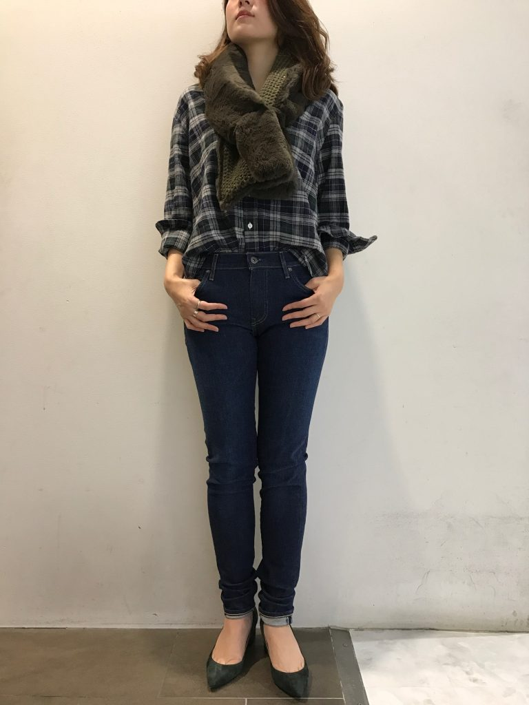 ファー¥25.000+tax(Lea Clement) デニム¥20.000+tax(LEVI'S MADE &CRAFTED)